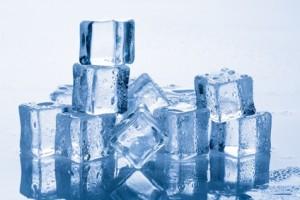 Плавящиеся кубики льда