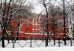 Здание лицея НИУ ВШЭ зимой
